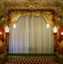 2010-cuvillies-theater-muenchen-small.jpg