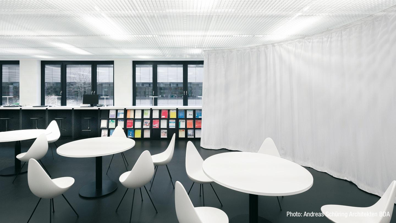 gw-2018-koeln-bibliothek-schallvorhang-office-03.jpg