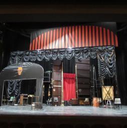 2018-gat-volkstheater-wien-wolkenvorhang-opal-small.jpg