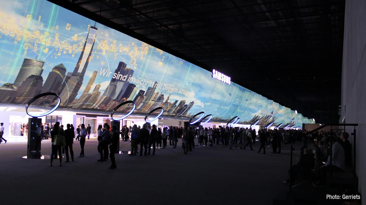 120-Screens-ifa-berlin-samsung-02.jpg